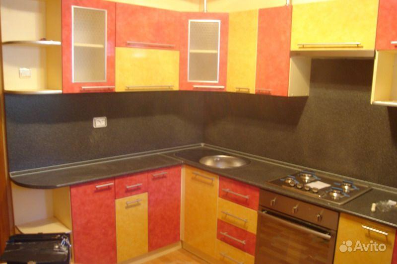 Кухонный гарнитур с фасадом из пластика