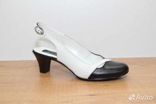 В самаре работают обувные магазины, продающие обувь оптом и в розницу. . О