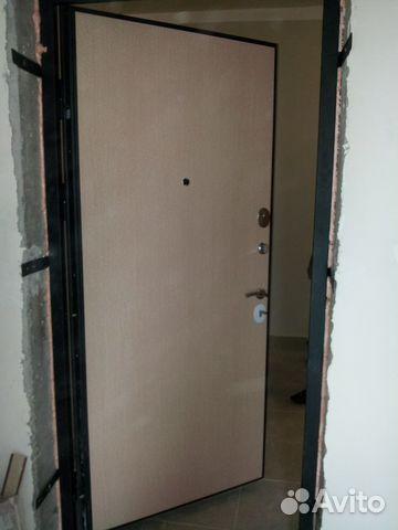 поставить внутреннюю железную дверь