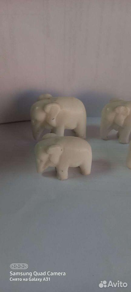 Статуэтки из камня Слоны