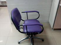 Парикмахерское кресло с гидравлическим подъемом